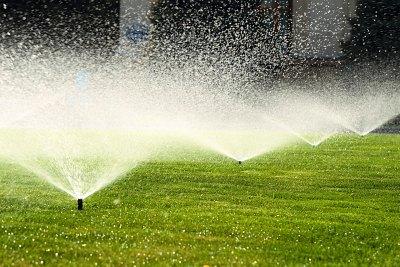 Поливна система за напояване на тревен килим